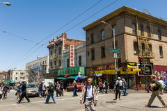 Busy Chinatown street in San Francisco Royalty Free Stock Photos