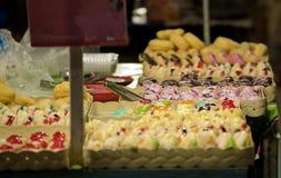 Butées toriques avec coloré et délicieux image libre de droits
