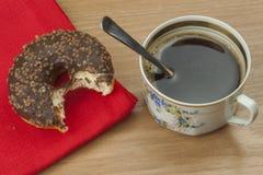 Butées toriques douces avec du café Festin doux avec du café Butées toriques en tant que vite festins faits maison Régimes de nou photo libre de droits
