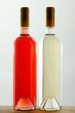 butelek etykietek czerwieni dwa biały wino Zdjęcie Royalty Free