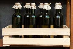 Buteljerar av wine Royaltyfri Fotografi