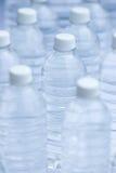 buteljerat vatten Fotografering för Bildbyråer