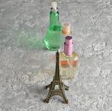 butelkę perfum siatek ciągnącego wektor ilustracyjny zdjęcie stock