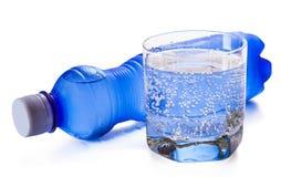 Butelka i szkło woda Zdjęcie Stock