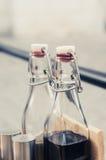 butelki ścinku szklany odosobniony kopalny ścieżki wody biel Obraz Royalty Free