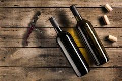 butelki corkscrew czerwone wino Obrazy Stock