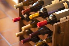 butelki dręczą wino Fotografia Royalty Free