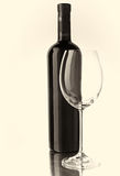 Butelki i wina szkło Zdjęcia Stock