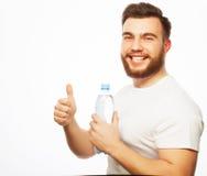 butelki mężczyzna woda zdjęcia royalty free