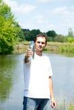 butelki mienia mężczyzna Zdjęcia Stock