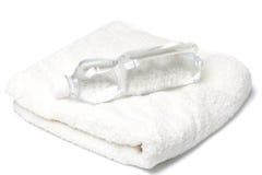 butelki ręcznika woda Zdjęcia Stock
