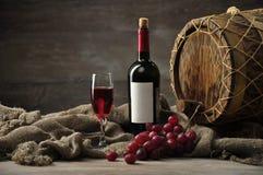 butelki składu wysokiego wizerunku stary postanowienia wino Zdjęcia Stock