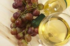 butelki szkła winogron wino Obrazy Royalty Free