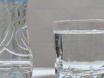 butelki szklanki lodu miętówki skał wody mineralne Obraz Stock