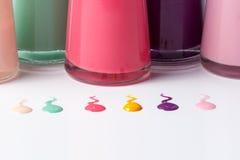Butelki z rozlewającym gwoździa połyskiem Obraz Royalty Free
