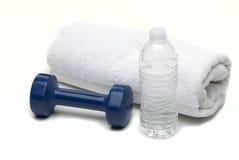butelkowy ręki ręcznika wody ciężar Obrazy Royalty Free