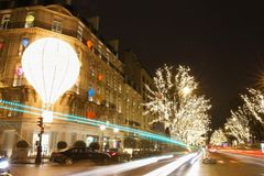 Butik Dior dekorował dla bożych narodzeń, Paryż, Francja Zdjęcia Royalty Free