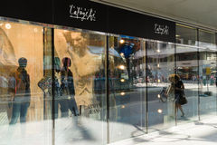 Butika Armani cajgi przy Galeries Lafayette Fotografia Stock