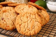 Butirroso, fragile, biscotti del chip della caramella Fotografia Stock Libera da Diritti