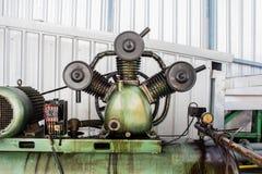 3 butla Odwzajemnia Lotniczych kompresory na przemysle Fotografia Royalty Free