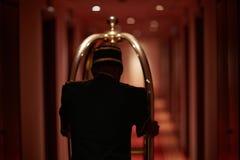 Butler in hotel royalty-vrije stock afbeelding