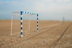 Buts du football de plage Photographie stock libre de droits