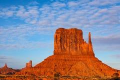 Butte van de het westenvuisthandschoen Monumentenvallei Royalty-vrije Stock Foto's