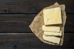 Butter auf Papier stockfotografie