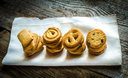 Butter cookies arranged in a row Royalty Free Stock Photography