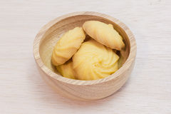 Butter cookies in wooden bowl Royalty Free Stock Images