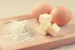 Butter, Eier und Mehl Stockfotos