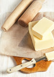 Butter und Küchengerät Stockfotos