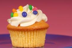 buttercream杯形蛋糕柠檬 免版税库存照片
