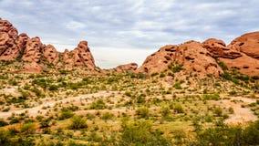Buttes красного песчаника Papago паркуют около Феникса Аризоны Стоковые Изображения RF