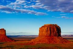 Buttes bei Sonnenuntergang, die Handschuhe, Merrick Butte, Monument-Tal, A Lizenzfreies Stockbild