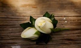 buttonhole νεόνυμφοι λουλουδιών στοκ φωτογραφία με δικαίωμα ελεύθερης χρήσης