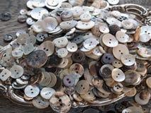 buttons det ofullbordade gammala perfekt skalet Royaltyfri Fotografi