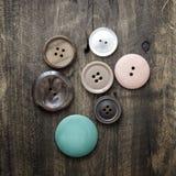 buttons samlingen olik Arkivfoto