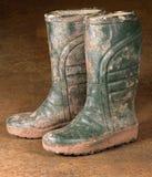 buty brudzą zieloną gumę zdjęcia stock