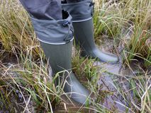 Buty dla myśliwego i rybaka Stosowny dla tropić i łowić, dla plenerowej podróży zatrzymuje zdjęcie royalty free