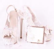 Buty koronka i obrączki ślubne, Zdjęcie Royalty Free