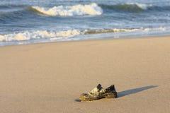 Buty na plaży obrazy royalty free