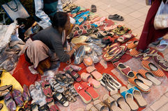 Buty, sztuki praca, Indiańscy rękodzieła uczciwi przy Kolkata Zdjęcie Royalty Free