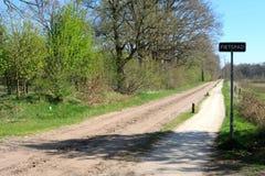 在春天期间的晴天在Buurserzand,荷兰 免版税库存照片