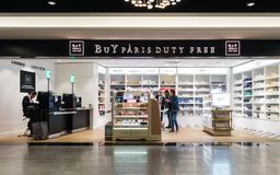 Buy Paris Duty Free shop at Roissy Charles de Gaulle aiport Stock Images