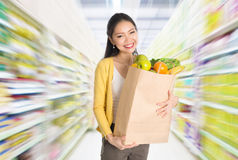 Buying groceries in market Royalty Free Stock Photography