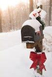 Buzón adornado para la Navidad Fotografía de archivo