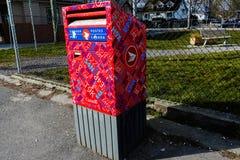 Buzón del poste de Canadá en Vancouver, A.C. Canadá imagenes de archivo