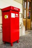 Buzón rojo en Kraków Fotos de archivo libres de regalías