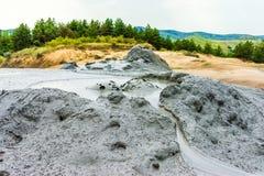 Buzau, Paclele mari, Румыния: Ландшафт с тинным вулканом стоковая фотография rf